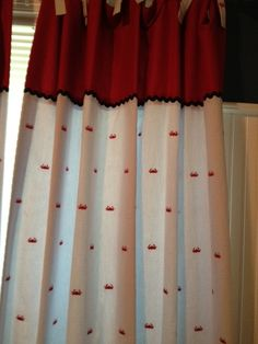 seer sucker red crab curtains!