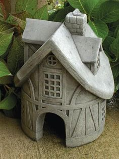 Toad Tavern Garden Statue - Garden Statues at Hayneedle Clay Houses, Ceramic Houses, Ceramic Birds, Ceramic Clay, Ceramics Projects, Clay Projects, Clay Crafts, Pottery Houses, Slab Pottery