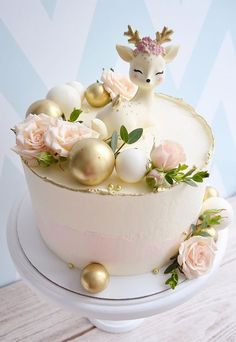 Beautiful Cake Designs That Will Make Your Celebration To The Next Level Baby Girl Birthday Cake, Birthday Cake With Flowers, Beautiful Birthday Cakes, First Birthday Cakes, Christmas Birthday Cake, Beautiful Cake Designs, Beautiful Cakes, Pretty Cakes, Cute Cakes