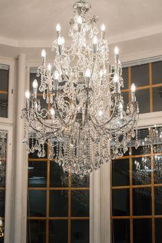 Loving white style: Rentouttava miniloma Vanajanlinnassa White Style, Chandelier, Ceiling Lights, Lighting, Home Decor, Candelabra, Decoration Home, Light Fixtures, Room Decor