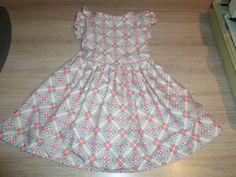 Verjaardagsjurk Dochter Patroon Wee Wander Dress Staan wel paar fouten in het patroon. Heb de jurk eerst in oefenstof gedaan en zo de fouten in patroon kunnen aanpassen