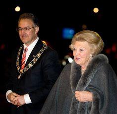 Prinses Beatrix met Ahmed Aboutaleb tijdens het bedankfeest in Ahoy Rotterdam 1 februari 2014