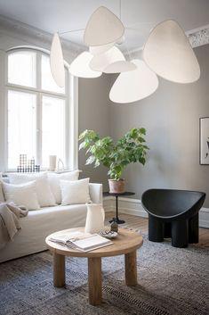 via Coco Lapine Design blog Living Room Scandinavian, Scandi Home, Boho Living Room, Home And Living, Living Room Decor, Living Rooms, Living Room Inspiration, Interior Design Inspiration, Design Ideas