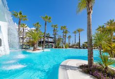 Piscina del hotel / Swimming pool of the hotel #h10esteponapalace #estepona palace #estepona #h10hotels #h10 #hotel10