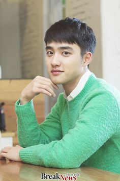 Do kyungsoo - Pure love movie interview Chen, Baekhyun Chanyeol, Kai, Short Hair For Boys, Luhan And Kris, Rapper, Exo Korean, Korean Guys, Asian Guys