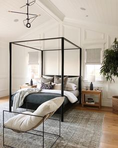 Home Decor Bedroom Interior Design With Canopy Platform Bed And Accent Chair Master Bedroom Design, Home Decor Bedroom, Bedroom Furniture, Bedroom Ideas, Master Bedrooms, Bedroom Suites, Bedroom Curtains, Furniture Chairs, Bedroom Bed
