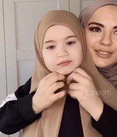 Hijab Styles 758152918508146665 - Source by Stylish Hijab, Modest Fashion Hijab, Modern Hijab Fashion, Muslim Women Fashion, Street Hijab Fashion, Fashion Mode, Hijab Fashion Inspiration, Simple Hijab Tutorial, Hijab Style Tutorial