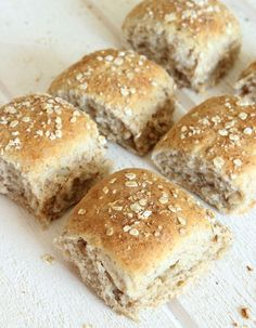 Rågkusar i långpanna | Tidningen Hembakat Savoury Baking, Bread Baking, Swedish Bread, Danish Food, Bread Bun, Our Daily Bread, Swedish Recipes, Breakfast Snacks, Food Inspiration