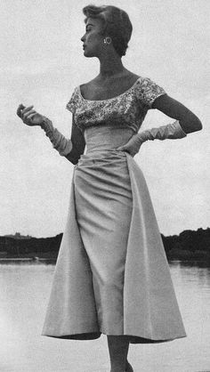 Jean Patchett ♥ 1950's - just like my mother's wedding dress, only shorter
