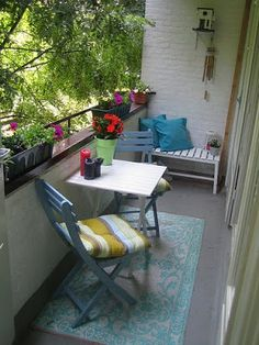 a few pretty things: Even a tiny balcony deserves to be pretty