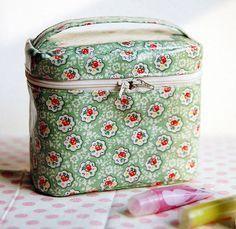 ファスナーポーチと小さいバッグの作り方、無料型紙、アイデア - NAVER ... 【コスメポーチ】