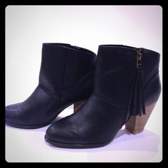 """Qupid Black Booties Qupid Black Booties with attached black fringe tassel. Side zip. 3.25"""" heel with rustic faux wood chunky heel. Rounded toe box.  trades PP ❤️ Price is firm unless bundled. Qupid Shoes Ankle Boots & Booties"""