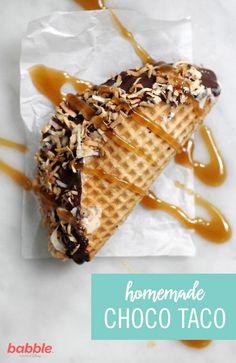 This Homemade Choco Taco recipe brings back childhood memories of ice cream truck treats! Frozen Desserts, Frozen Treats, Just Desserts, Delicious Desserts, Yummy Food, Food Truck Desserts, Dessert Recipes, Dessert Ideas, Mexican Food Recipes