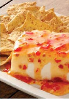 Sweet Chili Cream Cheese Dip – Ready to enjoy in just 5 minutes! Serve with your favorite tortilla chips or crackers. This is the BEST! Kraft Recipes, Dip Recipes, Snack Recipes, Cooking Recipes, Snacks, Cream Recipes, Veggie Recipes, Finger Food Appetizers, Yummy Appetizers