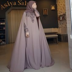 Image may contain: one or more people Hijab Gown, Hijab Dress Party, Hijab Style Dress, Hijab Chic, Dress Outfits, Dress Up, Arab Fashion, Islamic Fashion, Muslim Fashion