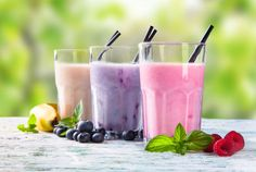 Having a smoothie or a protein shake in the morning is a really easy way to get a healthy breakfast. Milk Shakes, Fresh Milk, Fresh Fruit, Herbalife, Fuel Bar, Banana Drinks, Food Articles, Protein Shakes, As You Like