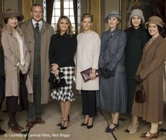 ladymollyparker:  Visit to ITV's set of Downton Abbey, March 4, 2015-Elizabeth McGovern, Hugh Bonneville, Mexican First Lady Angélica Rivera, Countess of Wessex, Laura Carmichael, Michelle Dockery and Sophie McShera