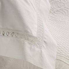 Bedlinen from the shop: The White Company. Pinned from The Paper Mulberry