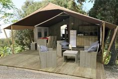 Easy a Tent Safari Tent Lanterna Poreč Located just few steps from the beach, Easy a Tent Safari Tent Lanterna is located in Antenal, 15.2 km from Porec. The outdoor pool is available on site as well as a restaurant, a bar and a mini-market.