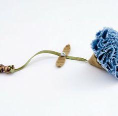 Que tal aprender a fazer alguns tipos diferentes de flores de fuxico?