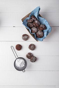 Nηστίσιμα σοκολατένια κουλουράκια σε 1 μπολ, νόστιμα & πανεύκολα - madameginger.com Crochet Earrings, Chocolate, My Love, Eat, Desserts, Christmas, Recipes, Cookies, Drinks