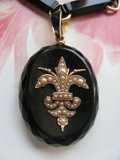 Victorian 10K Carved Onyx Locket Necklace