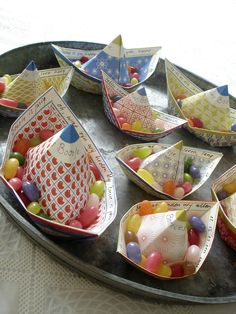 Totally LOVE these little paper boats for party tables. Gorgeous prints from this designer.