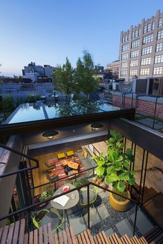 Designed by Andrew Franz Architect, Tribeca Loft in located in New York, NY, USA. In Manhattan's landmarked Tribeca North area, the top floor Converted Warehouse, Warehouse Home, Warehouse Living, Warehouse Conversion, Patio Interior, Interior Exterior, Interior Design, Interior Simple, Design Interiors