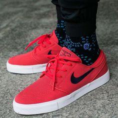 Nike Red Sneakers, Nike Sb Shoes, Boy Shoes, Sneakers Fashion, Me Too Shoes, Zapatillas Nike Sb, Janoski Nike, Mens Skate Shoes, Stefan Janoski