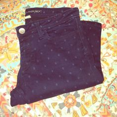 "Banana Republic Printed Jeans Size 28 Great condition! Love these pants, but selling because they no longer fit me. 27.5"" inseam. Banana Republic Jeans Skinny"