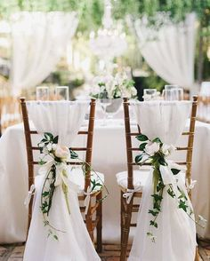 Don't you just love how dreamy and whimsical this looks?�������� #wedding #beyoutiful #allthingswhiteandwonderful #whimsical #dreamy #weddingday #weddingtime #weddingidea #tablescape #whitewedding #love #bigday #bride #beautiful #likeforlike #pretty #postoftheday #picoftheday #ideas #followforfollow http://gelinshop.com/ipost/1515086773084246448/?code=BUGq2SRlFGw