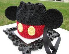 7c7c7da4edc Walt Disney World Winnie the Pooh Crochet Knit Sling Backpack Purse Blue  Navy