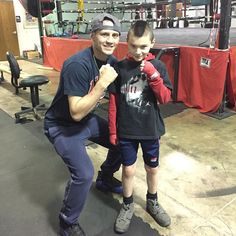 Train em up and inspire the young. #champion #boxing #triplethreatgym #athlete #futureworldchampion #coloradosprings #colorado #sammyvasquezjr @sammyvasquezjr