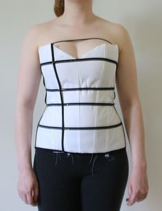 Please read through this section, before you use the corset pattern generator…