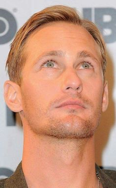 ~Alexander Skarsgãrd † Oh My Mr.Skarsgard Fan Page FB †