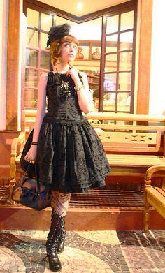 Gothic Lolita - Sleeveless!