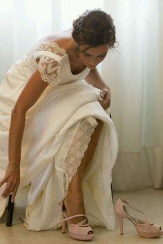 #Peeptoe en #ante #rosa claro con #plataforma y #taconazo en #piton #platformpumps #highheels #heels #fashion #moda #madeinspain #platform #shoes #weddingshoes #womenshoes #wedding #zapatos #peeptoes #madeinspain compra/buy: http://www.jorgelarranaga.com/es/home/43-230.html