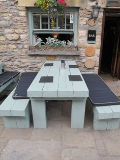 Pub Benches - Foter