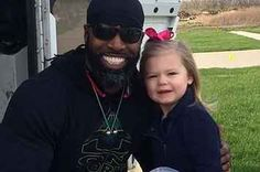 This Little Girl Gave Her Favorite Garbage Man One Of Her Birthday Cupcakes And It Is So Cute