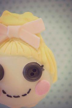 cinder lalaloopsy cake pop closeup