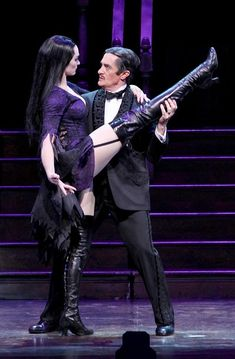 Photo of Brooke Shields as Morticia Addams and Roger Rees as Gomez Addams in The Addams Family. Addams Family Show, Addams Family Costumes, Adams Family, Family Halloween Costumes, The Addams Family Musical, Halloween Couples, Group Halloween, Group Costumes, Halloween 2017