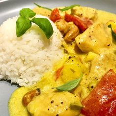 Mangokylling i grøn karry og kokossauce Indian Food Recipes, Asian Recipes, Healthy Recipes, Easy Cooking, Cooking Recipes, Cook N, Healthy Chicken Dinner, Big Meals, Recipes From Heaven