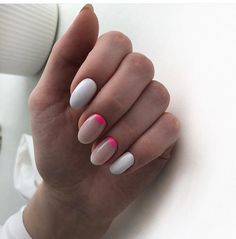 The advantage of the gel is that it allows you to enjoy your French manicure for a long time. There are four different ways to make a French manicure on gel nails. The choice depends on the experience of the nail stylist… Continue Reading → Elegant Nail Designs, Pretty Nail Designs, Elegant Nails, Nail Art Designs, Trendy Nails, Cute Nails, American Nails, Minimalist Nails, Nail Decorations