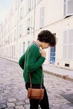 Pull vert et chemise