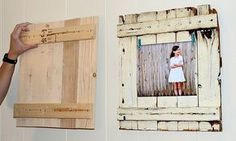 You need a diy photo frame for tagging a photo on wall. We have some diy ideas for if you are intrusted in to make a diy photo frame by yourself. Diy Projects To Try, Home Projects, Craft Projects, Marco Diy, Diy Casa, Wooden Picture Frames, Wood Pallets, Wood Crafts, Diy Wood