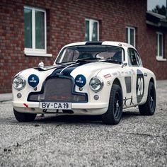 Classic Aston Martin, Aston Martin Db6, Aston Martin Cars, Vintage Sports Cars, British Sports Cars, Vintage Race Car, Classic Car Restoration, Classic Race Cars, Dream Cars
