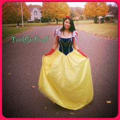 Snow White [just me] Trick or Treating 2013