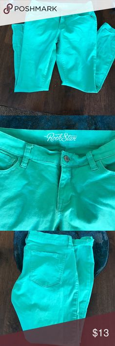 "Pretty dark mint ankle pants Pretty shade of green, not quite light enough to be called mint. Just a bit darker. Pic 2 shows most accurately. Listed as old navy rock star size 10, but measures closer to a size 6. Waist-14.5"", length 26"" Old Navy Pants Ankle & Cropped"