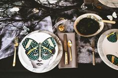 7 Inspiring Halloween Tablescapes to Get You in the Spirit