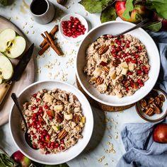 Cinnamon Oatmeal - Homemade Apple Cinnamon Oatmeal is an autumn inspired twist on plain oatmeal. Healthy, ve -Apple Cinnamon Oatmeal - Homemade Apple Cinnamon Oatmeal is an autumn inspired twist on plain oatmeal. Gluten Free Breakfasts, Healthy Breakfast Recipes, Healthy Recipes, Free Recipes, Meat Recipes, Apple Cinnamon Oatmeal, Cinnamon Apples, Crepe Delicious, Healthy Desayunos